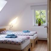 01 Schlafzimmer mit 2 Einzelbetten